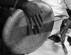 Hand-thappu